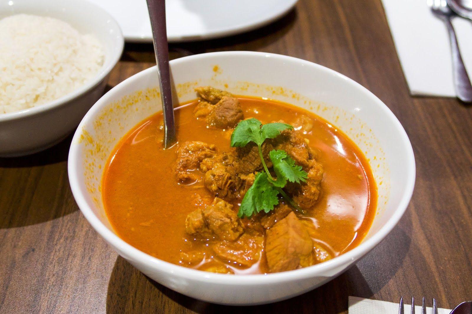 Kari Ayam Chicken Curry Malaysian Food Sydney Mamak Malaysian Food Sambal Recipe Curry Chicken