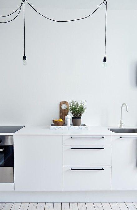 white kitchen..