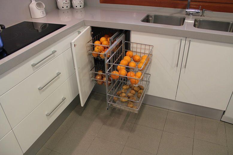 Cocinas accesorios para organizar tu cocina madrid herrajes para el mueble de cocina - Herrajes para muebles cocina ...