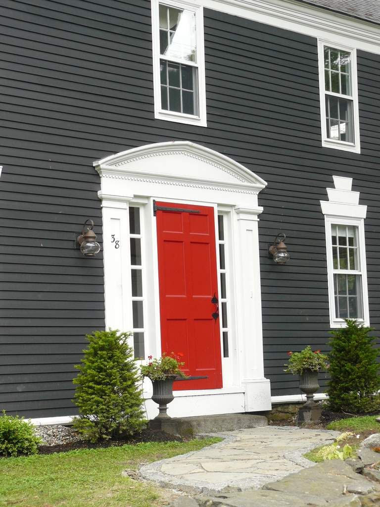 Heritage Homes Become Inns Red Door House House Paint Exterior Exterior Paint Colors For House