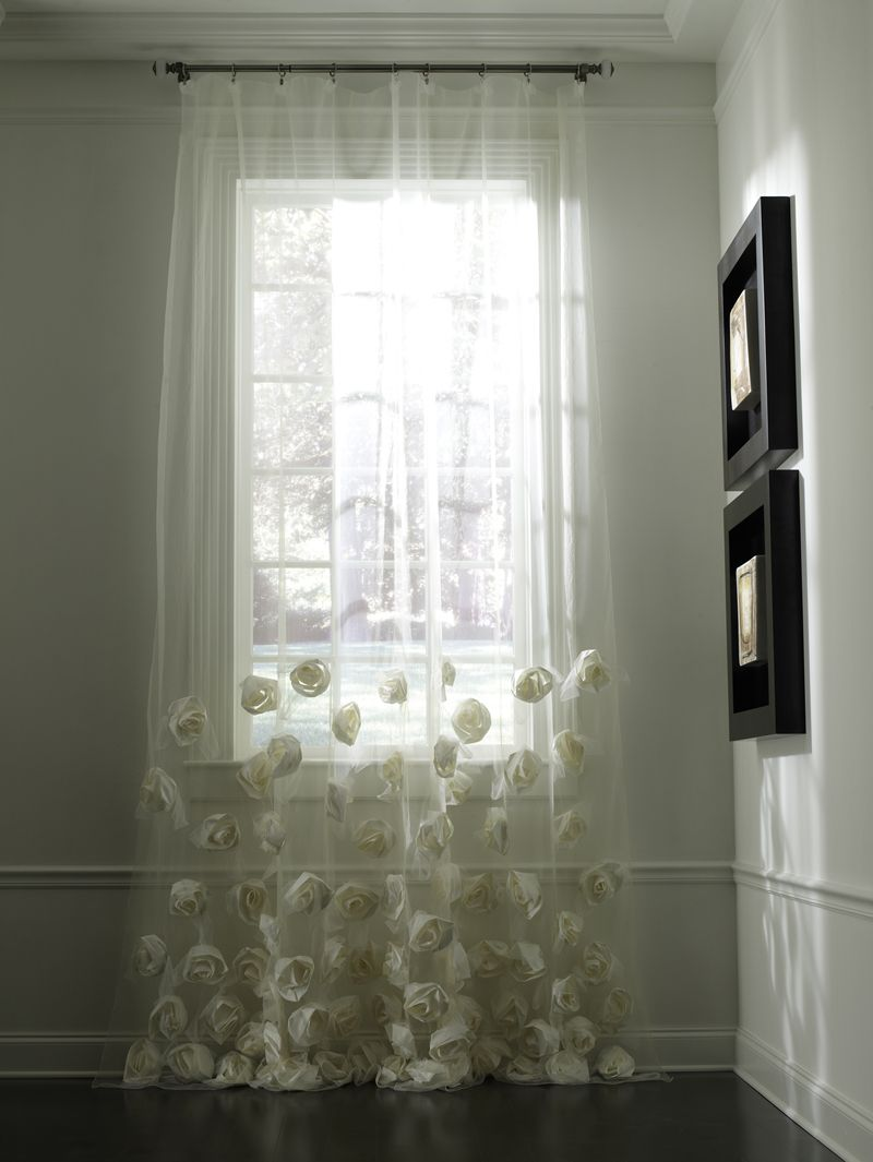 Emdee International Specializing In Upscale European Textiles These Panels Have 3 D Roses On The Bottom