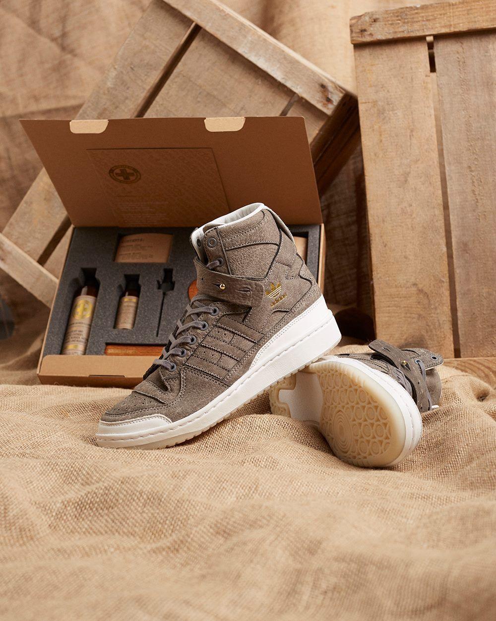 chaussures de sport dd2f6 17761 C.F Stead x adidas Originals Forum High