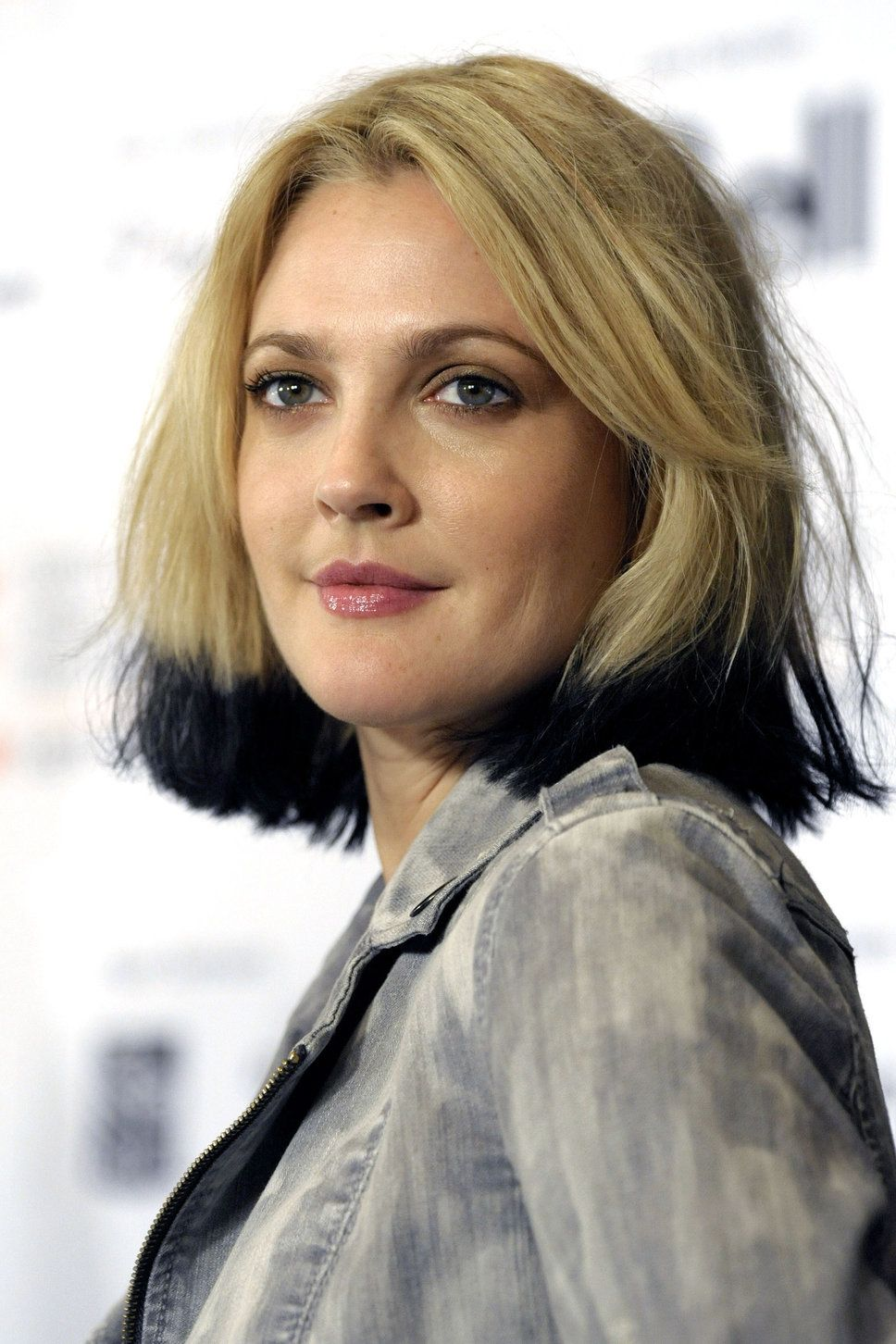 Drew Barrymore Black Tips Dip Dye Blonde And Black Hair 968 1452