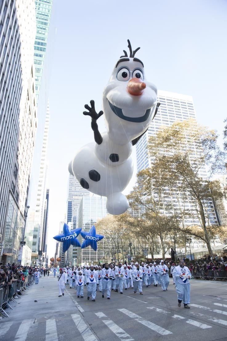 Olaf Balloon Macy S Thanksgiving Day Parade Macys Parade Thanksgiving Day Parade