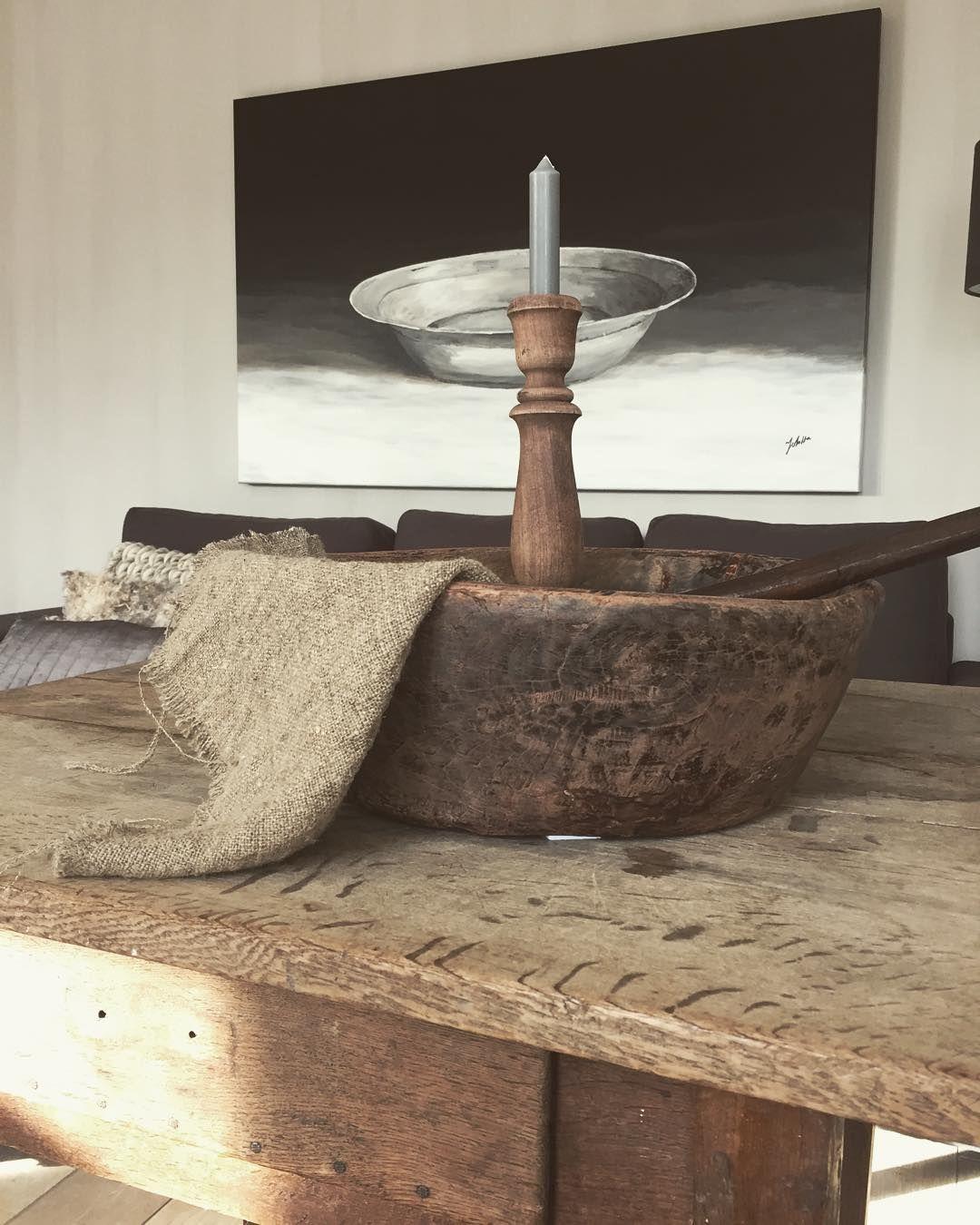 M o r n i n g !  #home#homedecor #soberwonen #interior #sfeer#wonenlandelijkestijl #linnen#hout#robuust #dewemelaer by thuisbijdien