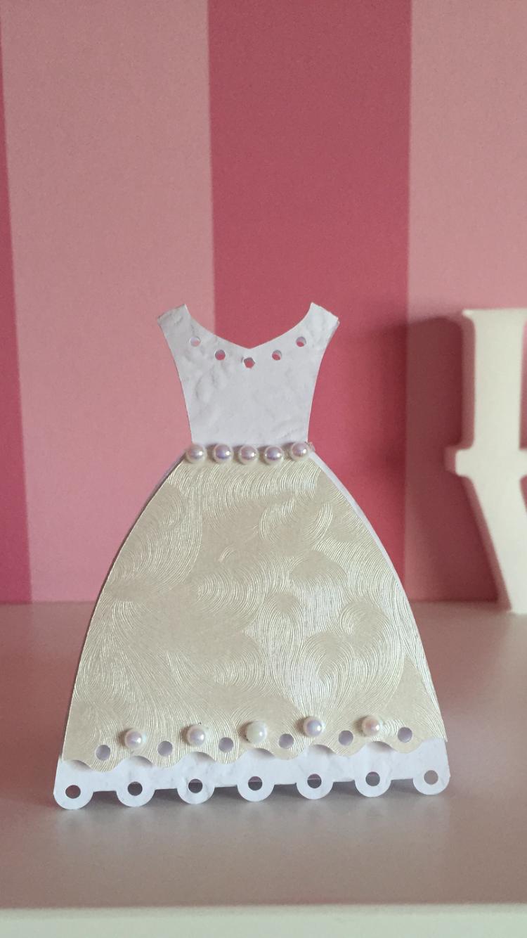 Cajita para souvenir, forma de vestido 👗 | Curio | Pinterest ...