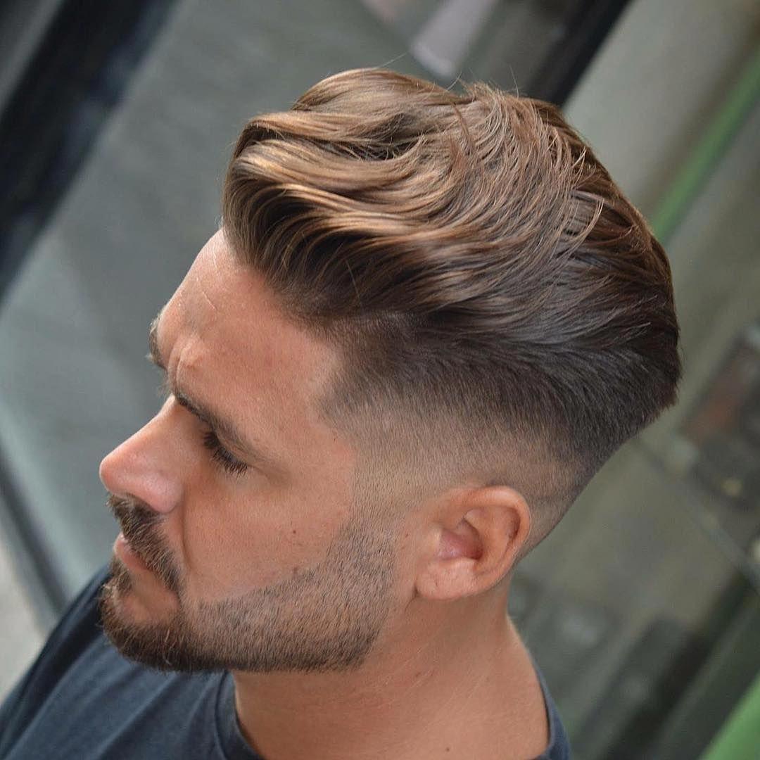 Frange Coiffee En Arriere Degrade Haut Coupe De Cheveux Homme Topmenshaircuts Coupe Cheveux Homme Cheveux Homme Coiffure Homme