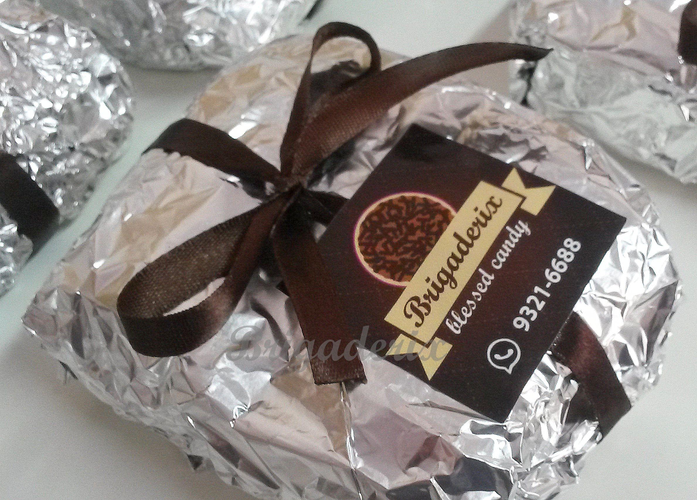 Bolo gelado. Temos nos sabores coco, chocolate, milho. Whats (51) 9321 6688 ou (51) 3367 17 92 brigaderix@hotmail.com facebook.com/brigaderix