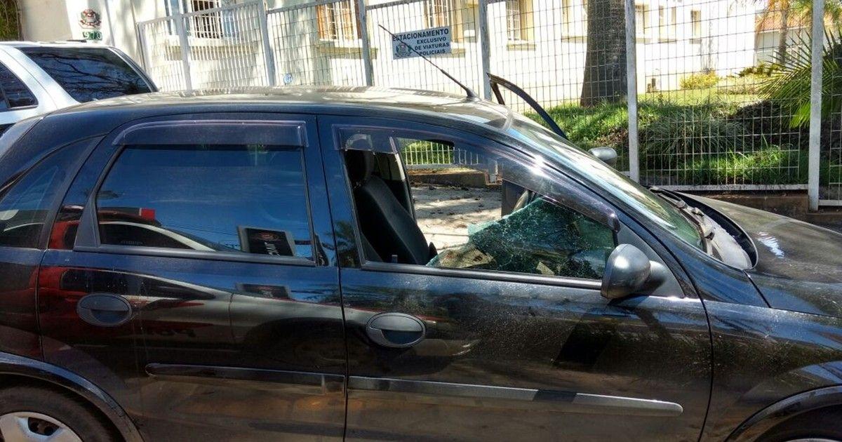g1: Homem usa enxada para furtar bolsa no interior de carro em Avaré (SP) https://t.co/FDvrtQGuS4 #G1 https://t.co/NnYU4991Ao