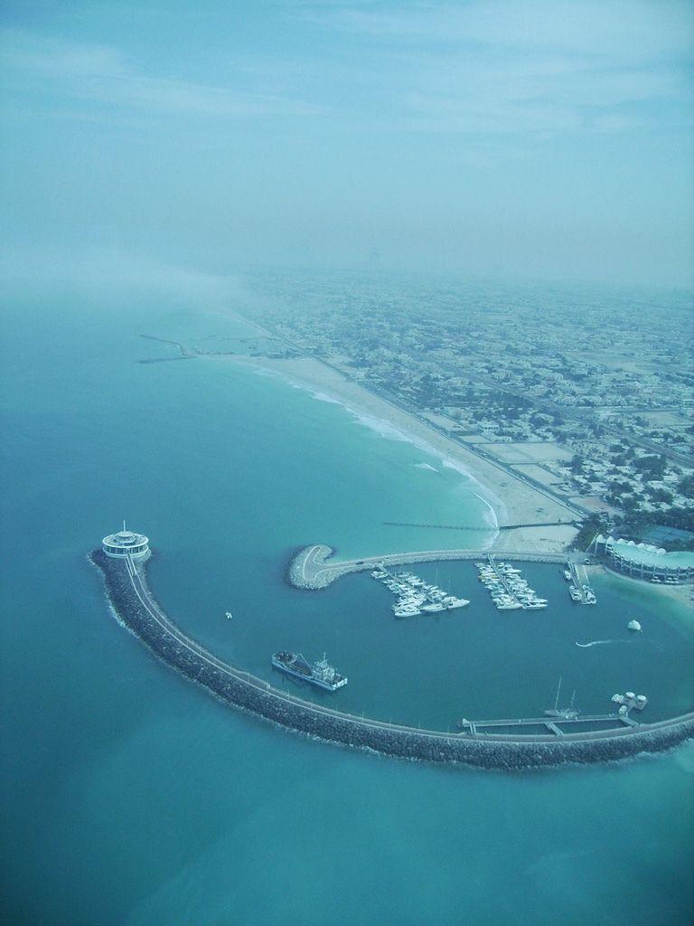 Dubain rantaviivaa.