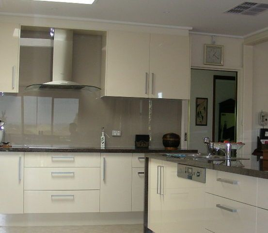 Our Glass Splashback Suppliers Have Been Manufacturing And