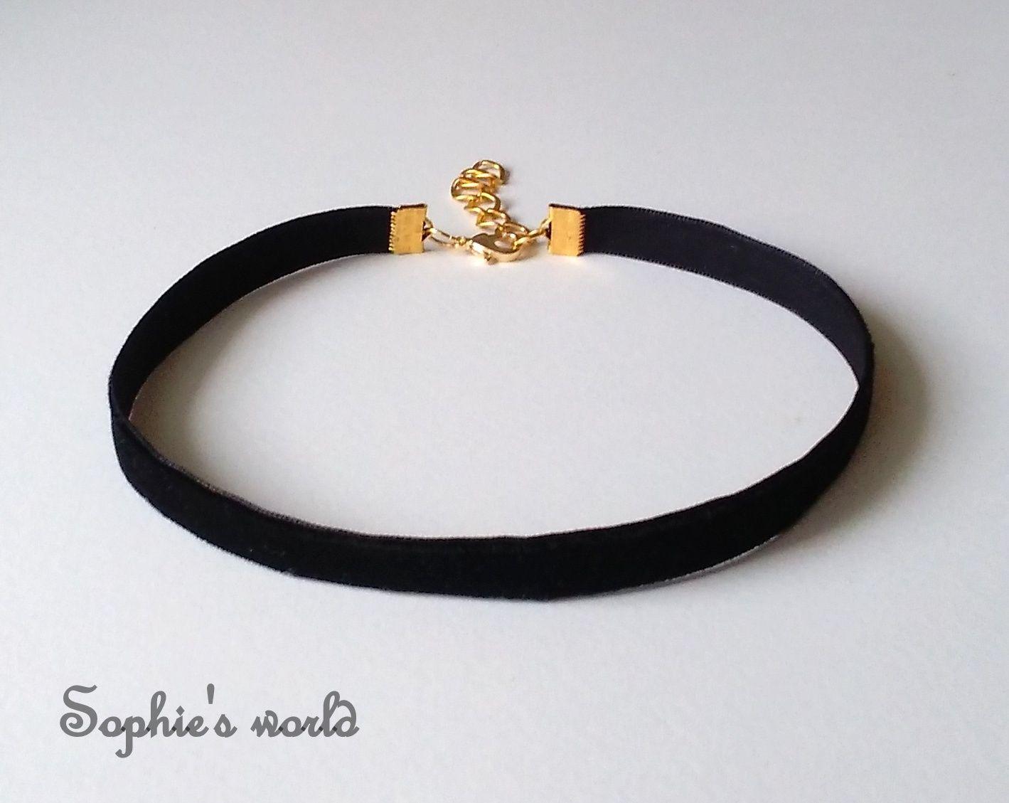 Τσόκερ κολιέ κλασικό μαύρο βελούδινο με επίχρυσο κούμπωμα  choker  necklace   black  velvet 2b4922599a3