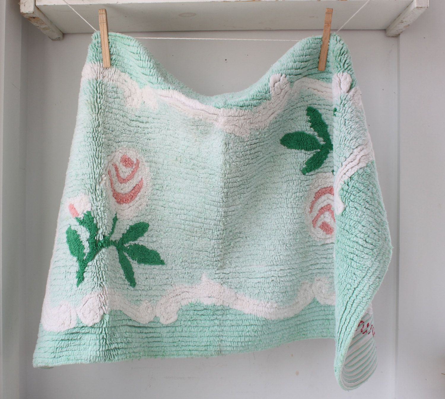 Vintage 1950s Chenille Rug The Vintage Housewife Mint