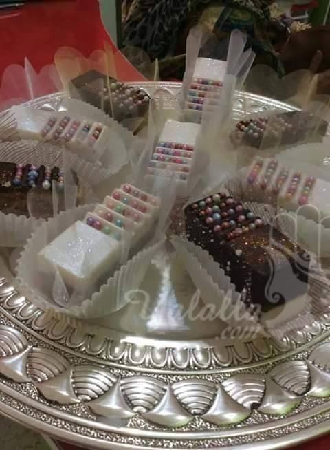 فن تزيين الحلويات أشكال في قمة الروعة موقع يالالة Yalalla Com عالم المرأة بعيون مغربية Desserts Food Takeout Container