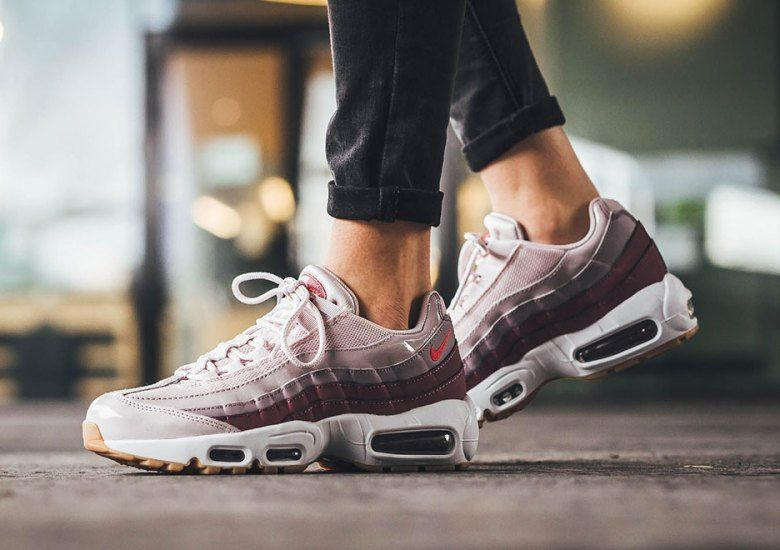 Discount Nike Air Max 95 Womens Barely Rose With Hot Punch