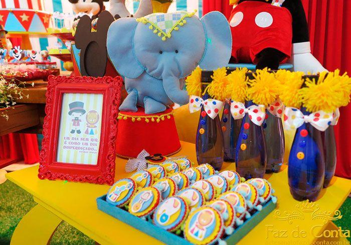 Mesa lateral decorao circo  Festas infantis  Circo