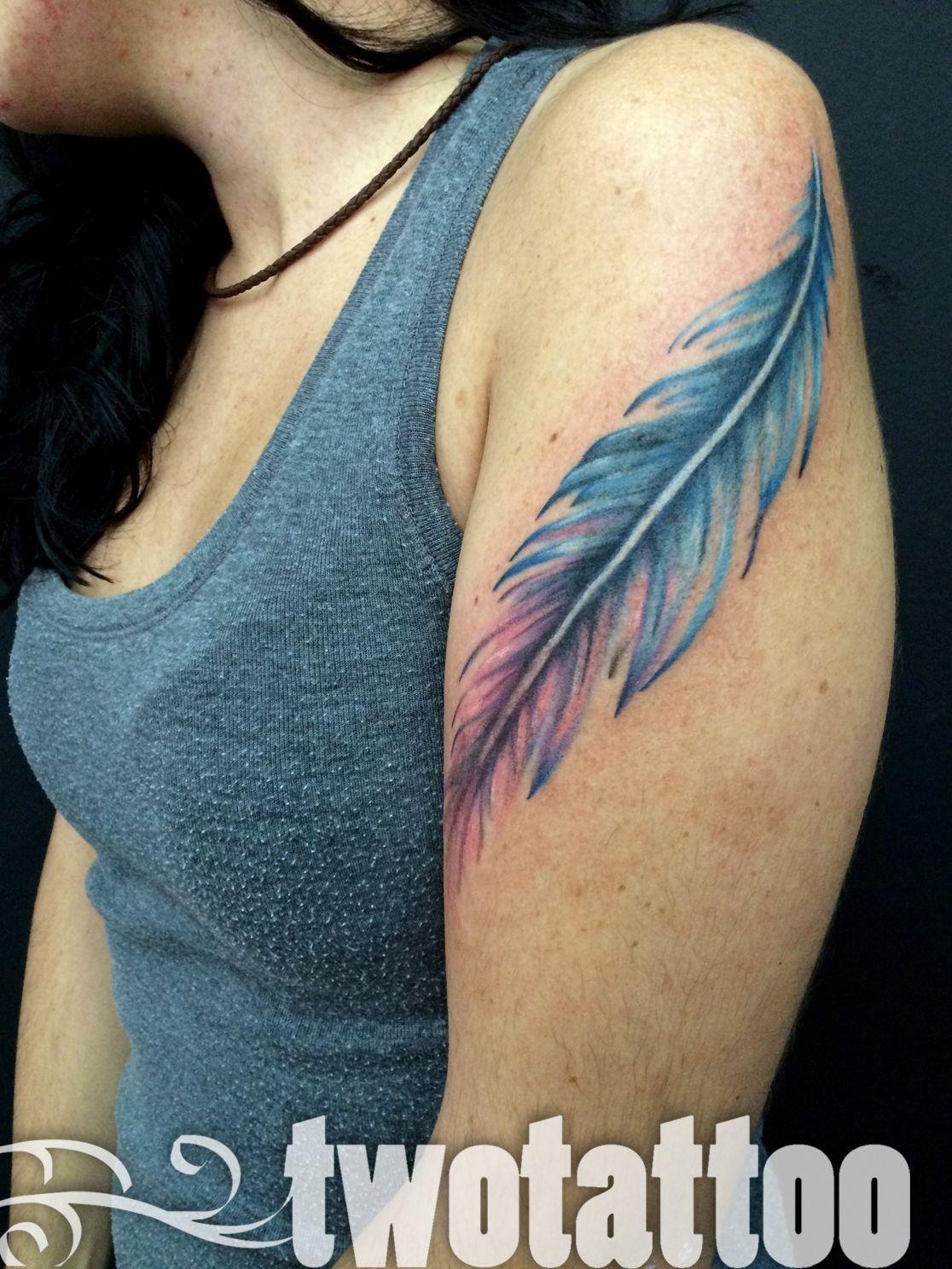TwoTattoo | Tatuaje Pluma Color
