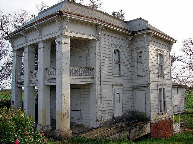 Decaying Mansion