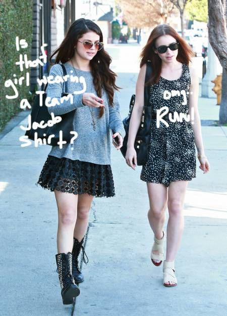 Selena Gomez Has Lunch With Lily Collins! What Did Taylor Lautner's Exes Talk About?! -                                 Stop us if you've heard this one before:  Two of Taylor Lautner's exes walk into a sushi restaurant  Yesterday, Selena Gome