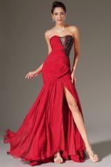 Robe de cocktail longue mousseline brillante plissée rouge fendue sur le coté