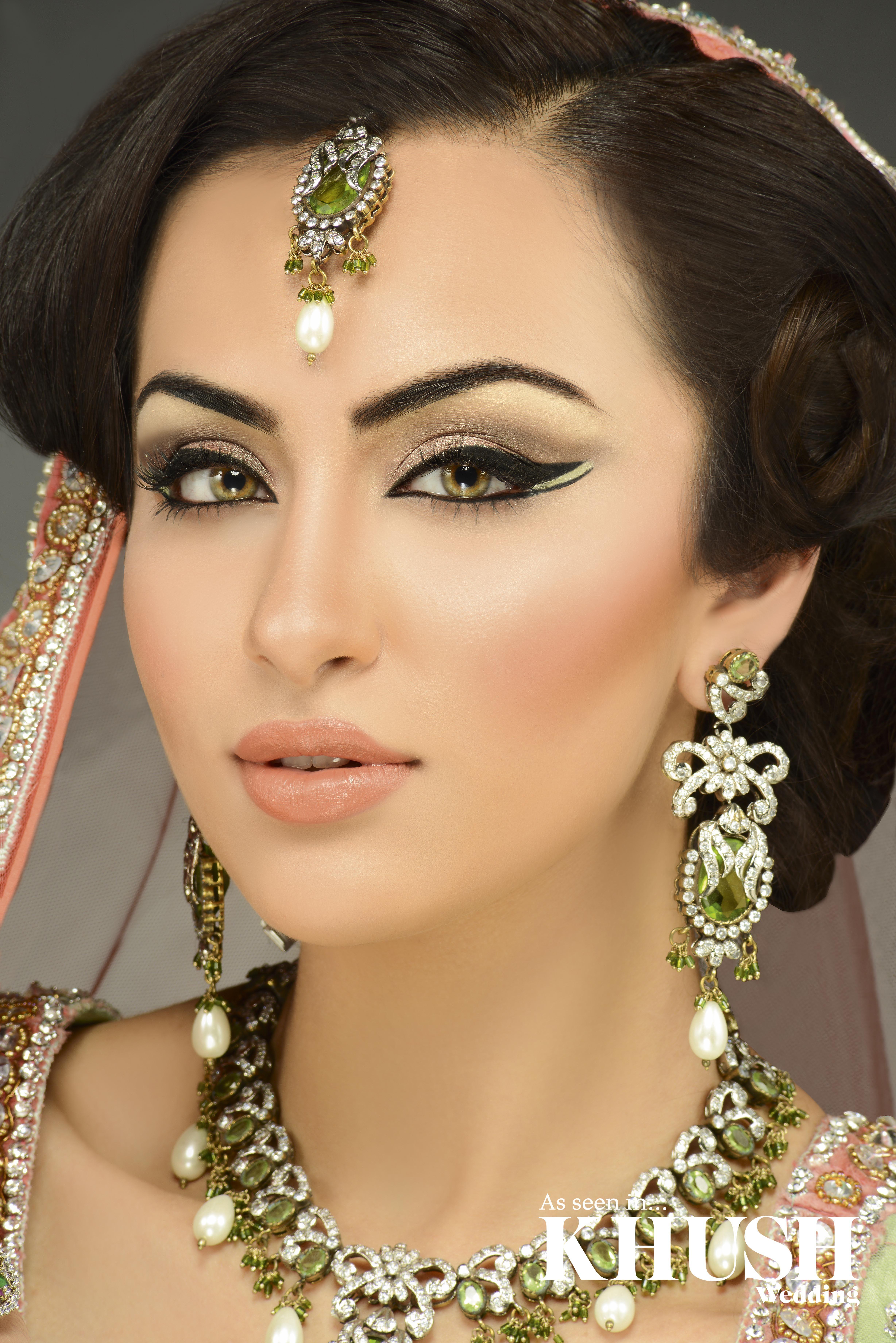 gorgeous traditional asian bride by foqiya fox w