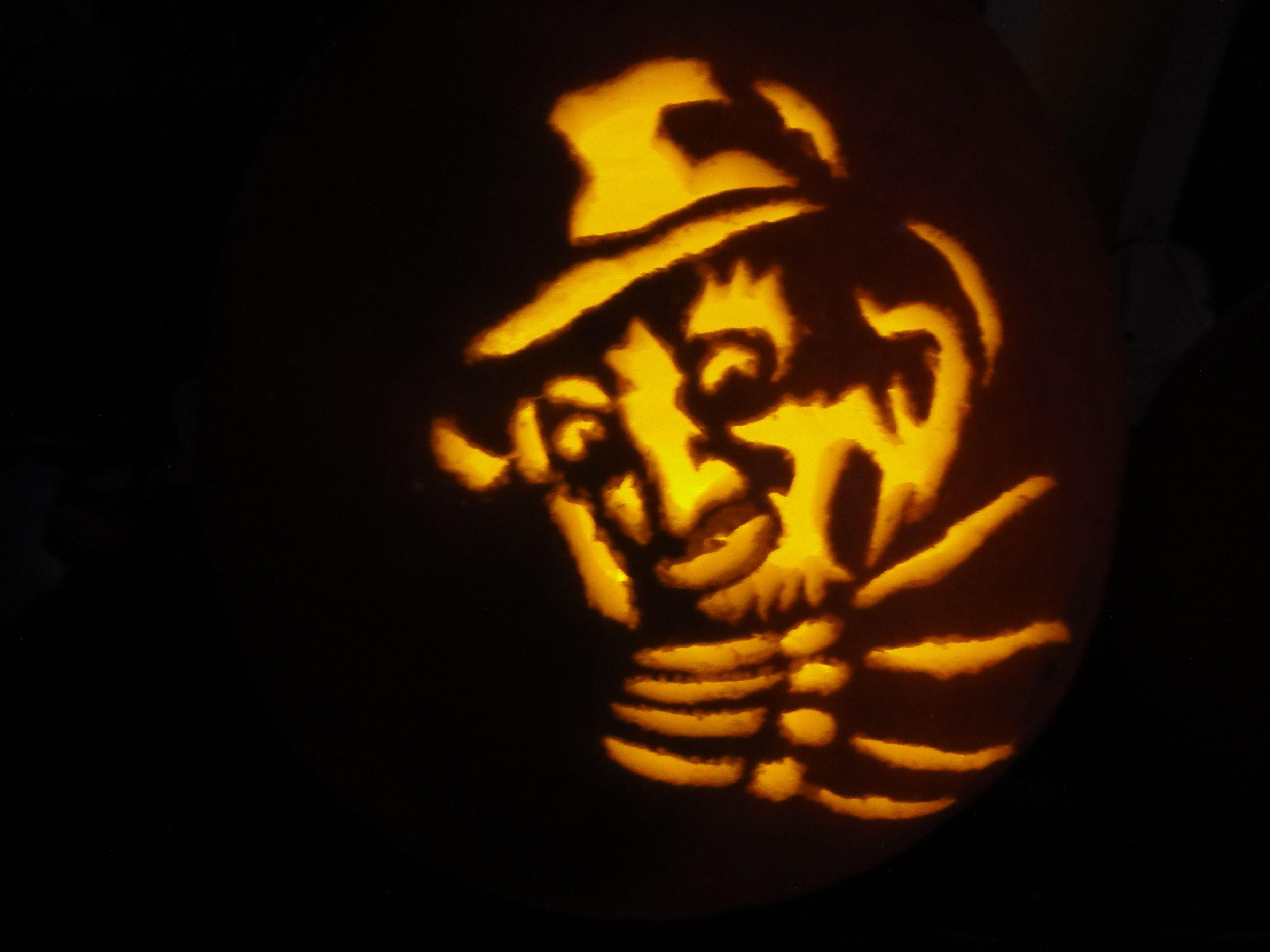 Freddy Krueger Pumpkin Design With Images Pumpkin Design Pumpkin Carving Pumpkin Carving Patterns