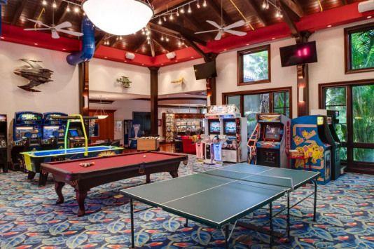 Photo of Das Spielzimmer aller Spielzimmer! Finden Sie dieses Haus auf Realtor.com #recreationalroom # …