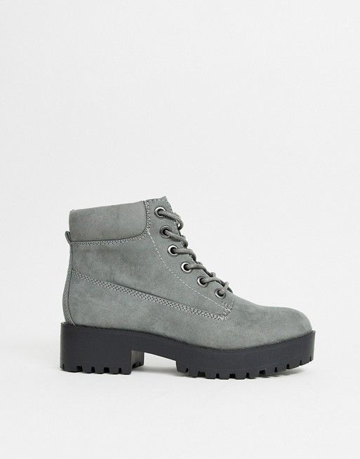 86840244e60 New Look chunky lace up flat boot in mid gray   Wantable, Stitch Fix ...