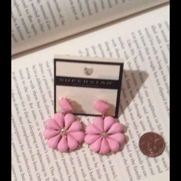 Beautiful pink earrings Light link colored flower earrings, lightweight Jewelry Earrings