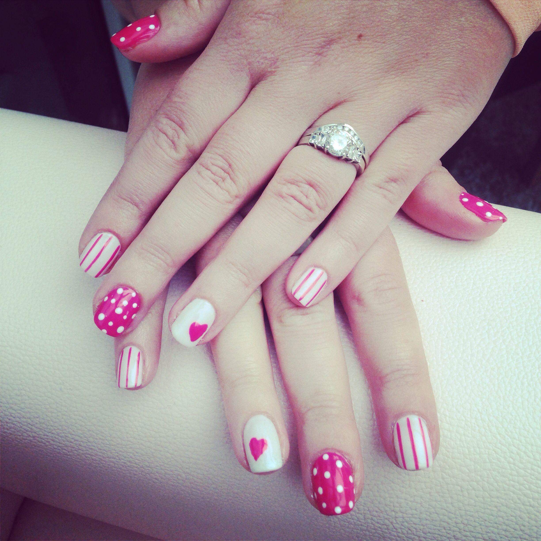 Pink & white nails freehand nail art