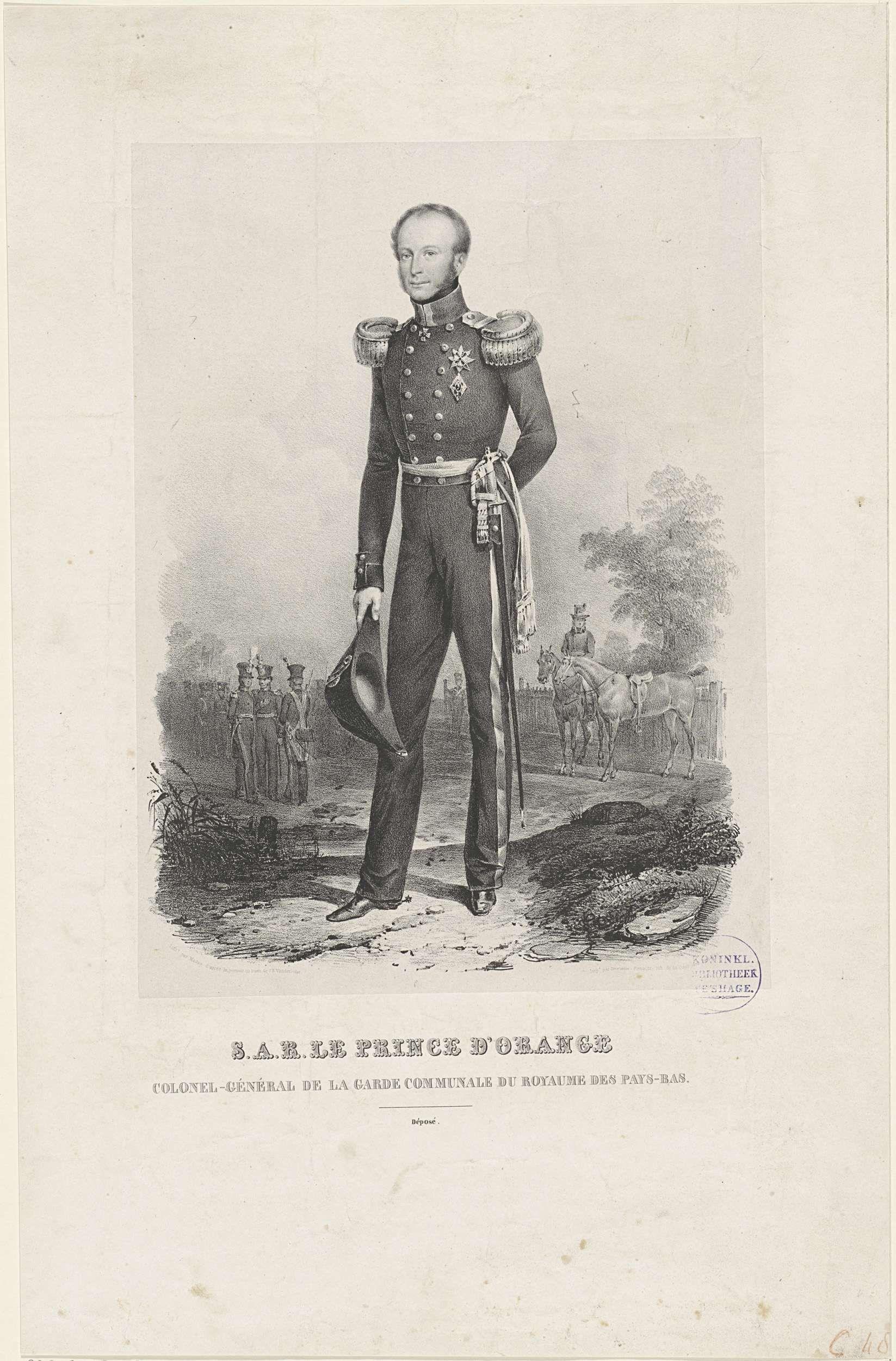 Jean Baptiste Madou | Portret van Willem II, koning der Nederlanden, Jean Baptiste Madou, Dewasme-Plétinckx, 1812 - 1851 | Portret van Willem II. In zijn rechterhand zijn hoed. Op de achtergrond soldaten. In de ondermarge zijn titels.