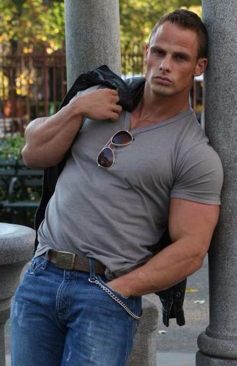 Joey Swoll Hot Hot Hot!!!