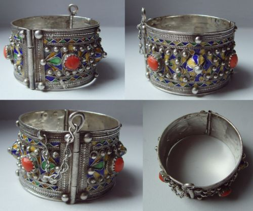 Rare gros bracelet Berbere ancien argent massif emaille