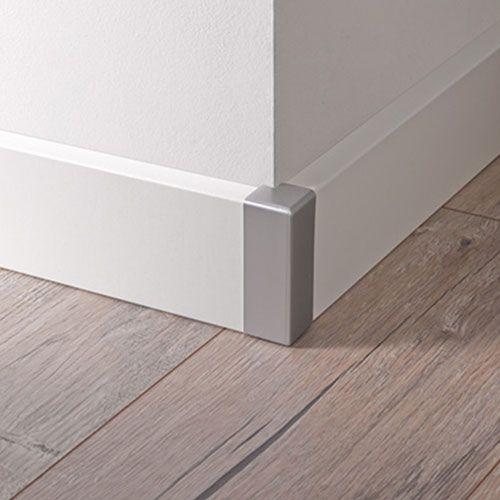 Barniz de parquet detalle con rodapie lacado blanco - Barniz para madera interior ...