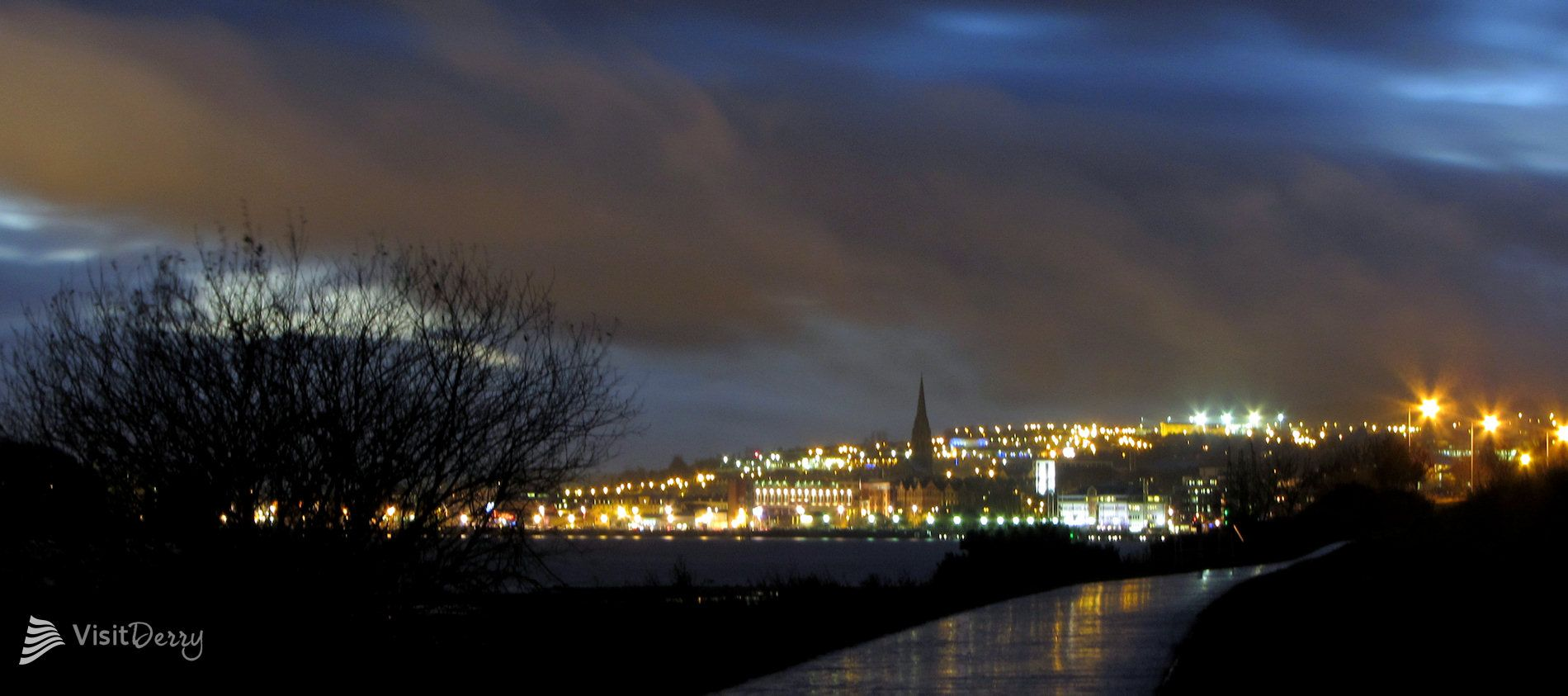 wedding venues in londonderry%0A Night sky over Derry