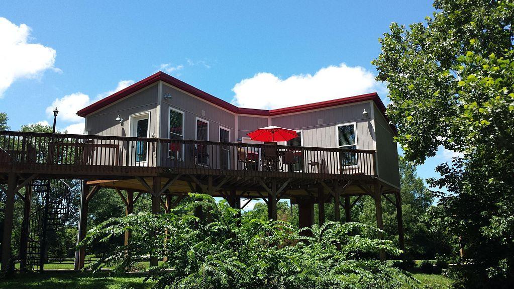 Vrbo Com 488049 Amazing Central Kentucky Private Getaway Kentucky Vacation Gambrel Cabin Cabin Vacation