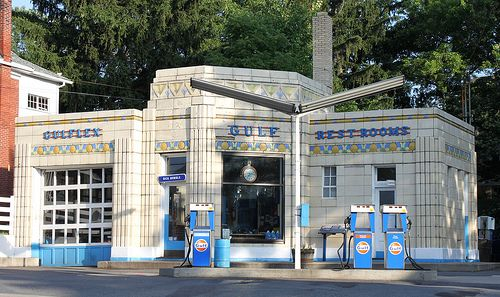 We practically coasted into town on fumes just so we could fill up at the prettiest art deco gas station I know of, Dunkle's Gulf in Bedford PA.
