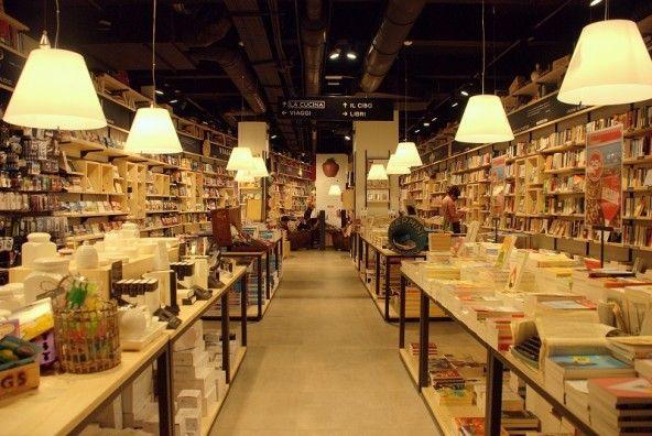 Feltrinelli Red Di Via Del Corso Leggi Mangia Sogna Librerie Leggende