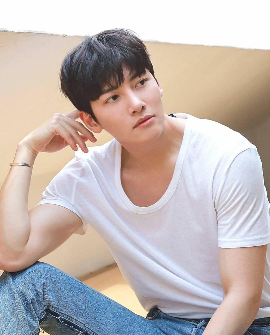 Pin Oleh Nueree Neean Di Ji Chang Wook Di 2020 Selebritas Aktor Aktris