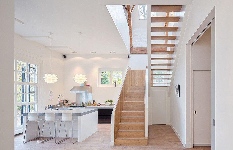 hohe decken und bodentiefe fenster in heller küche | einrichten ... - Fenster In Der Küche