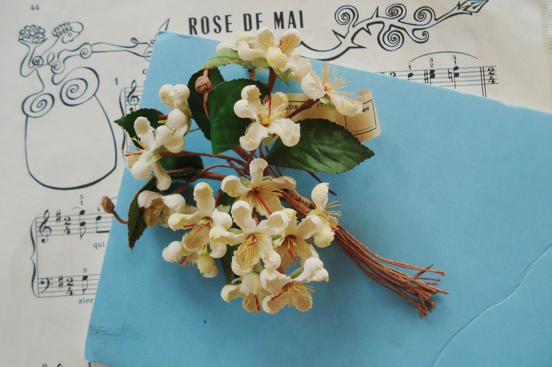 Antique Italian 40's Ivory Yellow Apple Blossoms Flower Millinery Spray Cloche Corsage Hat Victorian Doll Bonnet Trim Flapper Boudoir French #victoriandolls