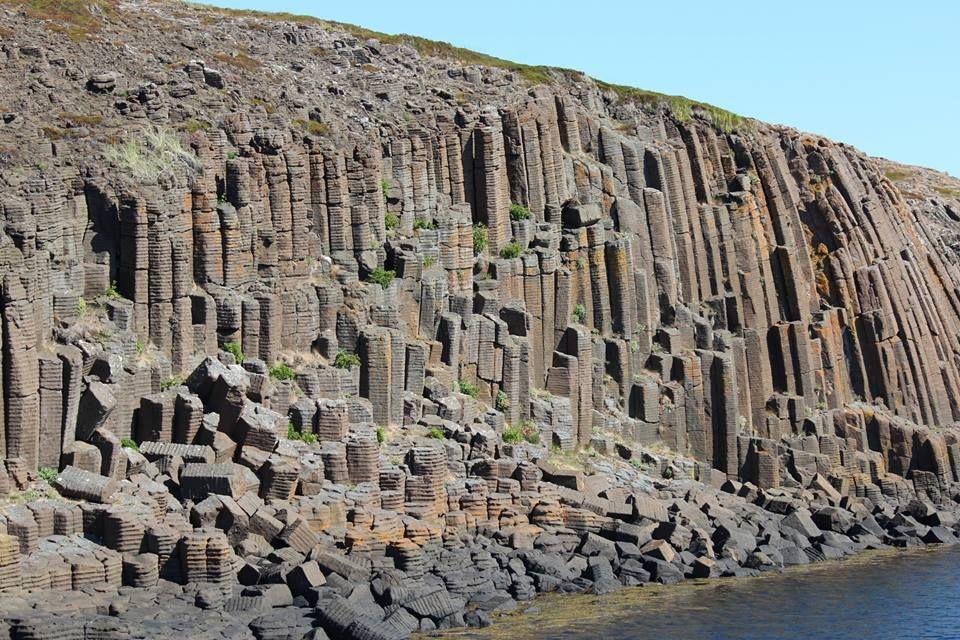 Columnar basalt  Location: Breiðafjörður, Snæfellsnes peninsula, Iceland. Photo Copyright © Zinneke  #ScienzeGeologichePage