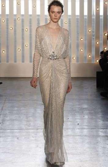 Jenny Pakham, traje de novia largo en gris perla