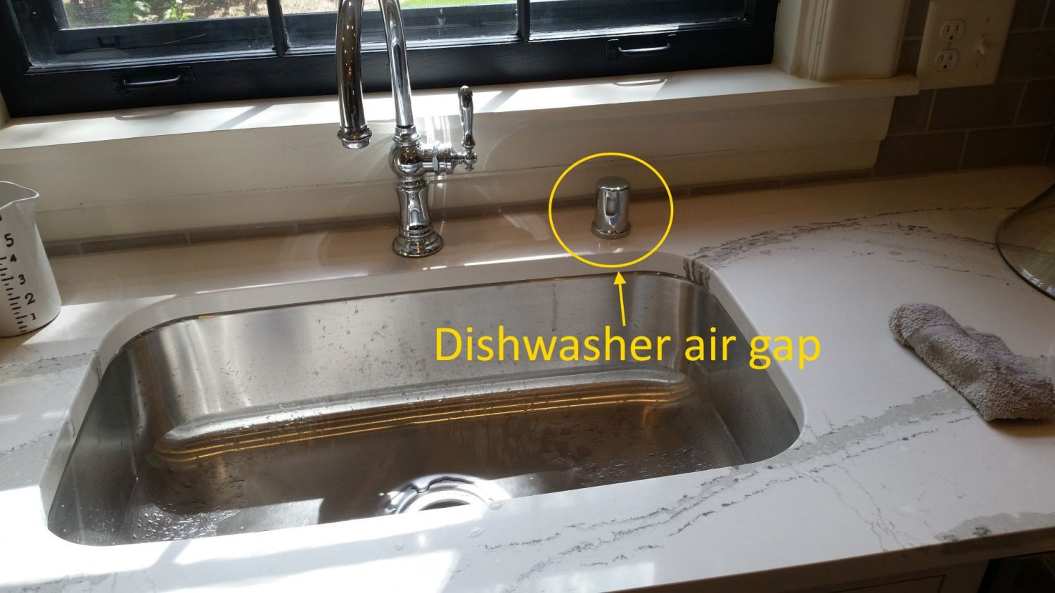 100+ Kitchen Sink Air Gap Backsplash Ideas for Small