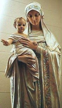 Madre e Hijo amando a la humanidad