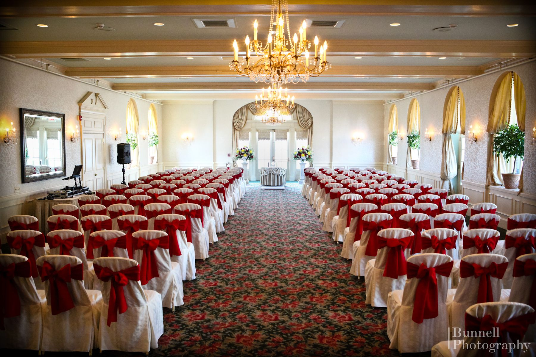 Wedding Ceremony In The Grand Ballroom At Hotel Northampton Weddings Hotelnorthampton Northamptonma