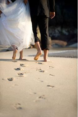 {How to Pack a Perfect Carry-On Bag for Your Honeymoon} || The Pink Bride www.thepinkbride.com || Image courtesy of Martie Watson with Travel Leaders Memphis and Collierville via email. || #memphis #collierville #tennessee #travelagent #honeymoon #carryon #brideandgroom #sand