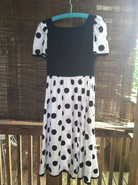 Check out this item in my Etsy shop https://www.etsy.com/listing/193512088/vintage-polka-dot-dress