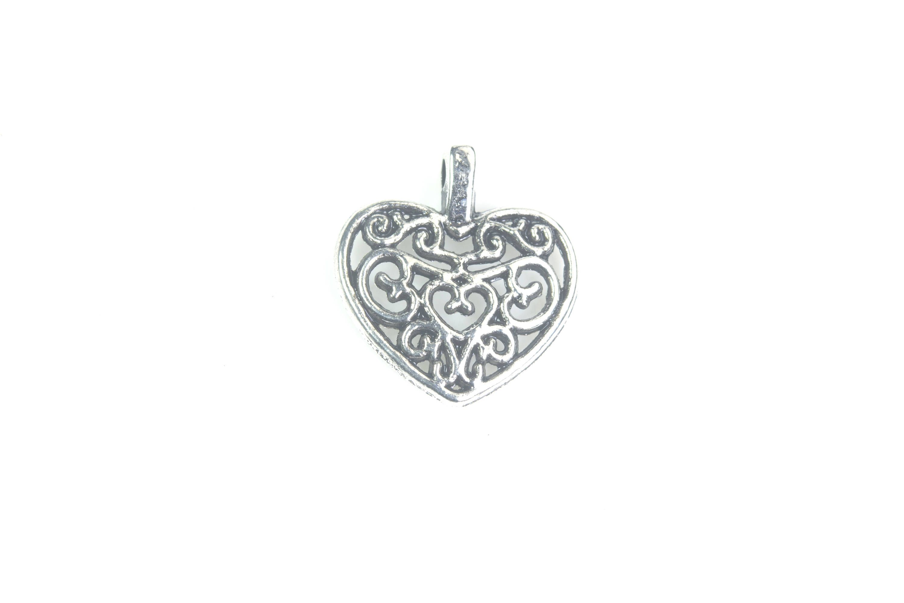 How to make a heart charm from beads