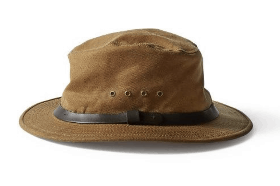 The Best Safari Clothes For Women Safari Packing Checklist In 2021 Safari Outfits Safari Outfit Women Packers Hat